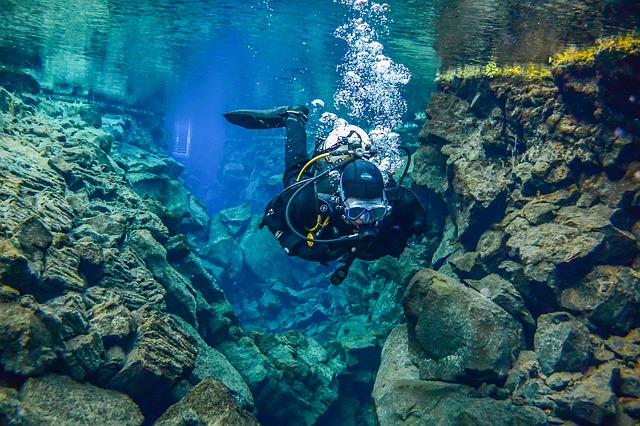 Plongee et snorkeling dans la faille de Silfra